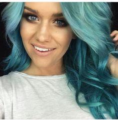 Ssssamantha Mint/Blue hair