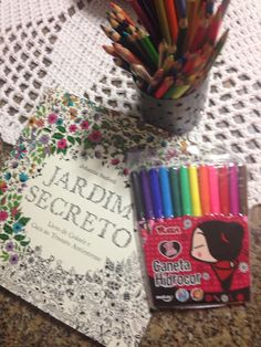 Lápis e canetinha para colorir Que delicia !!!