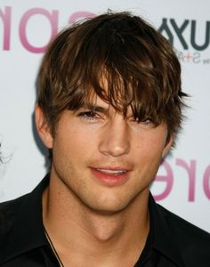 The 25 Best Medium Hairstyles for Men The Ashton Kutcher Ashton Kutcher's shaggy hair is very beach boy style. Allows any guy with this medium length Mens Hairstyles 2014, Mens Medium Length Hairstyles, Cool Hairstyles For Men, Haircuts For Men, Messy Hairstyles, Fringe Hairstyles, Elegant Hairstyles, Straight Hairstyles, Shaggy Short Hair