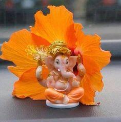 Vinayaka Chavithi 2018 or Ganesh Chaturthi Best Wishes Images in Telugu Ganesh Chaturthi, the festival celebrating Lord Ganesha. Shri Ganesh Images, Ganesha Pictures, Krishna Images, Ganesh Idol, Ganesha Art, Ganesh Rangoli, Namaste, Ganpati Bappa Wallpapers, Happy Ganesh Chaturthi Images