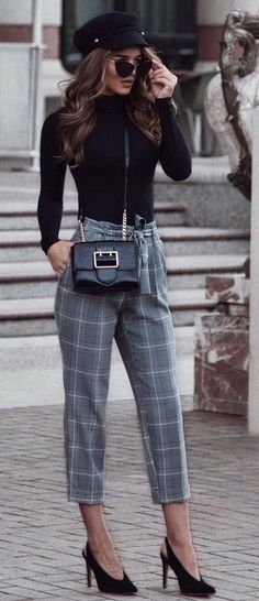 I would wear this outfit if the pants were either just below my knee, or around my ankle. #womentrousers