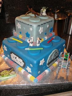 Lego Star Wars Cake @Kendra Hotchkin Not the cake. Just some one else who loves Lego and Star Wars. :)