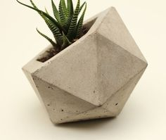 Geodesic Planter, Natural Concrete modern-indoor-pots-and-planters Concrete Cement, Concrete Projects, Concrete Design, Concrete Planters, Beton Design, Cement Crafts, Flower Pots, Projects To Try, Pottery