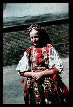From Inkatelke/Néprajzi Múzeum | Online Gyűjtemények - Etnológiai Archívum, Diapozitív-gyűjtemény Bohemian Girls, Bohemian Art, Folk Costume, Costumes, Traditional Clothes, Folk Music, Homeland, Hungary, Budapest