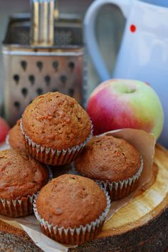 Bögrés almás-diós muffin | Rupáner-konyha Healthy Sweets, Biscuits, Sandwiches, Bakery, Food And Drink, Cupcakes, Cookies, Breakfast, Recipes