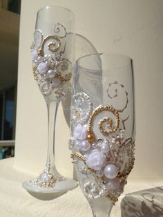 White and gold Wedding toasting flutes, hand decorated with fabric roses and pearls - set of 2 - wedding reception, wedding gift idea