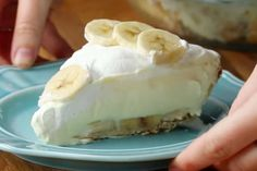 Cream Pie Recipe by Tasty, Banana Recipes The AVENUE, minute banana pie cups for two. Read More About This Recipe . Banana Cream Pies, Banana Pie, Banana Pudding, Banana Brownies, Just Desserts, Delicious Desserts, Dessert Recipes, Yummy Food, Cream Pie Recipes