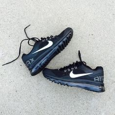 PM_Editor Pick{Nike} Black Airmax 2013 Women's 8.5. Brand new, never been worn. Will be packed in a designer box to keep them safe. ❗️Price is firm, even when bundled❗️  ❌ No Trades/ No PayPal  ❌ No Lowballing  ✅ Bundle Discounts ✅ Ship Same or Next Day  % Authentic Nike Shoes
