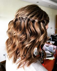 Hairstyles With Braids Pictures, Tips, How To? Braided Hairstyles Updo, Hairstyles With Bangs, Pretty Hairstyles, Hairstyles Pictures, Medium Hair Styles, Short Hair Styles, Curly Prom Hair, Brown Blonde Hair, Homecoming Hairstyles