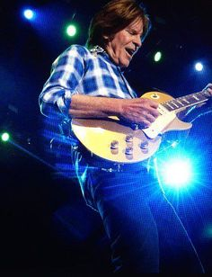 John Fogerty 5/2016 70s Music, Live Music, Music Songs, Classic Rock And Roll, Rock N Roll, John Fogerty, Musician Photography, Jackson Browne, Creedence Clearwater Revival
