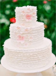 pink and white wedding cake http://www.weddingchicks.com/2013/10/18/heirloom-wedding-ideas/