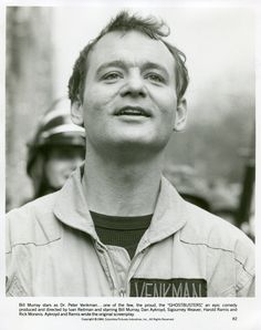 A gallery of Ghost Busters publicity stills and other photos. Featuring Dan Aykroyd, Bill Murray, Harold Ramis, Ernie Hudson and others. Bill Murray Ghostbusters, The Real Ghostbusters, Die Geisterjäger, Comedy Tonight, Ernie Hudson, Classic Comedies, Ghost Busters, Close Up Portraits, Press Kit