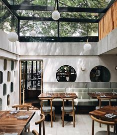 Set inside a modernist building, Mexico City-based restaurant combines avant-garde culinary techniques with the finest local craftsmanship Architecture Restaurant, Interior Architecture, Restaurant Interior Design, Home Interior, Italian Interior Design, Restaurant Interiors, Apartment Interior, Apartment Living, Modern Interior
