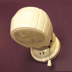 1930s Bathroom, Vintage Bathroom Lighting, Pink Bathroom Decor, Vintage Wall Sconces, Vintage Bathrooms, Bathroom Light Fixtures, Metal Wall Decor, Art Deco Lamps, Vintage Shabby Chic