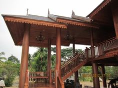Traditional Thai House - My sister & brother-in-law house in Pakchong, Thailand....nearly finished!