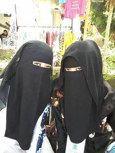 Two ladies wearing the niqab