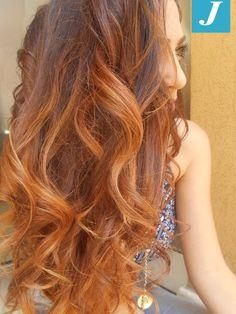 Ad ogni donna il suo Degradé Joelle. #cdj #degradejoelle #tagliopuntearia #degradé #igers #naturalshades #hair #hairstyle #haircolour #haircut #longhair #ootd #hairfashion