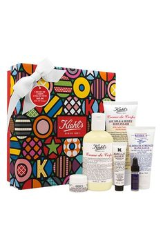 Kiehl's holiday collection on sale! Thoughful gift for a nanny, teacher, best friend, or yourself.