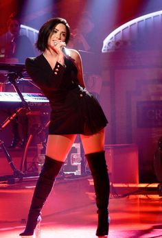 Demi Lovato performed Cool for The Summer and Confident on SNL.