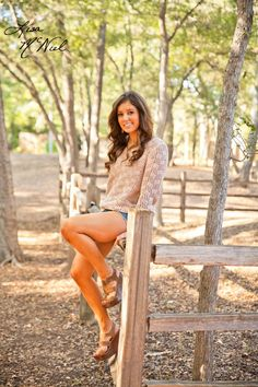Senior pictures, ideas for girls, cheer, cheerleading, hunting, guns, fashion, DFW, North Texas Photographer, Click the pic for more ideas!