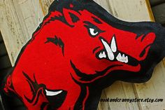 Arkansas Razorback burlap door hanger for sale at nookandcrannystore.etsy.com  makes a great gift for that favorite man in your life.  Woo Pig Sooie!