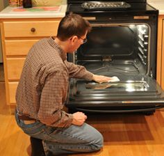 Keep Your Oven Cleaner  Here's an easy way to keep your oven clean and prevent grease from building up—a weekly swipe with white vinegar.    If you use a store-bought aerosol oven cleaner, vinegar comes to the rescue again. Prevent the awful smell and smoke that result when you turn on the oven by wiping the inside of the oven with undiluted vinegar after cleaning with the commercial spray. It neutralizes the lingering effects of the irritating alkali.