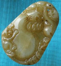 Chinese Old Jade Hand Carved Vivid Twin Monkey Calabash FuLu 福禄 Pendant H52 Gift