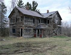 70 Abandoned Old Buildings. left alone to die - 70 Abandoned Old Buildings. left alone to die - Abandoned Farm Houses, Old Abandoned Buildings, Old Farm Houses, Abandoned Mansions, Old Buildings, Abandoned Places, Abandoned Castles, Abandoned Property, Creepy Old Houses