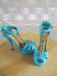 Tips for Creating Stunning Stiletto Heel Cakes, Perfect for Fashionistas! http://shrsl.com/?~7l8x