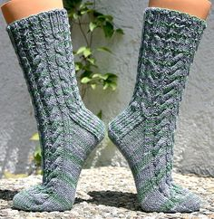 Ravelry: Naive Socks (This Must Be The Socks) pattern by SpillyJane - Free Pattern on Ravelry