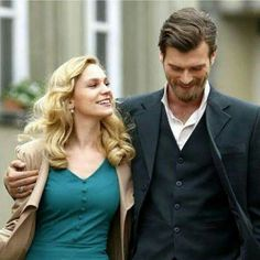 Farah Zeynep Abdullah as Sura and Kivanc Tatlitug as Seyit walking in Istanbul during a happier time. From the Turkish TV series KURT SYIT ve SURA, Kurt Seyit And Sura, Number The Stars, Mejores Series Tv, Drama Tv Series, New Netflix, Anime Love Couple, Turkish Actors, Music Tv, Classic Movies