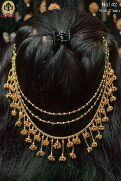 this could be a choker too Bridal Hairdo, Bridal Bun, Bridal Makeup, Hair Chains, Indian Bridal Hairstyles, Head Jewelry, Wedding Jewelry, Gold Jewellery Design, India Jewelry