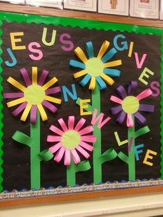 20 Ideas flowers crafts preschool bulletin boards sunday school for 2019 Religious Bulletin Boards, Bible Bulletin Boards, Easter Bulletin Boards, Christian Bulletin Boards, Preschool Bulletin Boards, April Bulletin Board Ideas, Bullentin Boards, Christian Classroom, Christian School