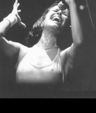 Elis Regina collection of links to play Youtube songs WITH LYRICS
