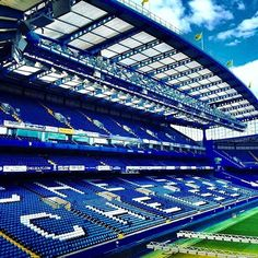 All You Need To Know About Football. Football is a game for giants. Football is made up of physically tough people, but also mentally tough ones too. Chelsea Wallpapers, Chelsea Fc Wallpaper, Sports Wallpapers, Chelsea Logo, Chelsea Blue, Chelsea Football, Stamford Bridge, Football Stadiums, Tigers