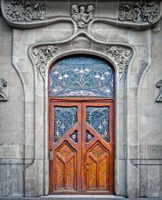 littlelimpstiff14u2: Art Nouveau & Art Deco Art Nouveau Door in Barcelona / Calle Gran Via.