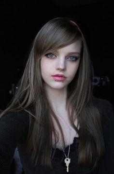 Dakota Rose from USA, popular model in Japan. like kakkoii Dakota more!
