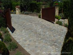 """Antique reclaimed SANDSTONE cobblestone in 5"""" x 8"""" rectangles,Reclaimed old SANDSTONE cobblestone pavers - as durable as granite cobble with gorgeous warm colors and foot-friendly surface."""