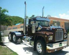 79 Best R Model Mack Truck Images Big Rig Trucks Big Trucks