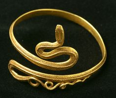 "Graeco-Egyptian Roman period Gold ""Snake"" bracelet ca. Roman Jewelry, Greek Jewelry, Sea Glass Jewelry, High Jewelry, Gold Jewelry, Snake Bracelet, Snake Jewelry, Collier Antique, Antique Jewelry"
