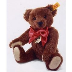 The Mohair Classic from Steiff is the ideal teddy bear for anyone. Cute and cuddly! http://www.toniscollectibles.com/teddy-bears-and-other-animals/manufacturer/steiff.html