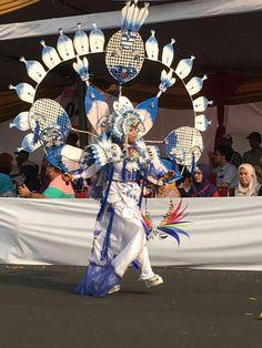 Carnival, Fair Grounds, Fashion, Moda, Fashion Styles, Carnavals, Fashion Illustrations