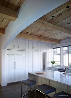 White French Estate Kitchen with Custom Cabinetry and Hidden Pantry Home Design, Shop Interior Design, Design Ideas, Living Room Decor, Living Spaces, Hidden Pantry, House Inside, Interior Photo, Custom Cabinetry