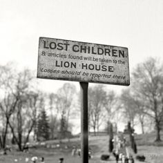 Esther Bubley :: Sign at the National Zoological Park, Washington DC, May 1943 [Yes, Billy was lost. He was also plump and juicy!]