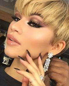 Celebrity Haircuts, New Haircuts, Makeup Trends, Beauty Trends, Makeup Ideas, Who Is Zendaya, Zendaya Makeup, Zendaya Nails, Talon Nails
