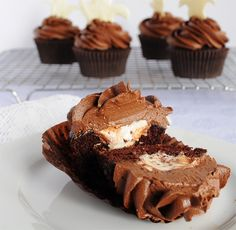 Campfire cupcakes by Sugar for the Brain, via Flickr