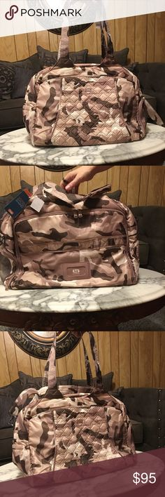 Lug desert camo weekend bag Super cute! Great bag with tons of pockets! Bags Travel Bags