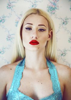 Amethyst Amelia Kelly, better known by her stage name Iggy Azalea, is an Australian rapper, songwriter, and model. Iggy Azalea, American Rappers, Gorgeous Women, Beautiful, Gorgeous Makeup, Famous Faces, Woman Crush, Makeup Looks, Hip Hop
