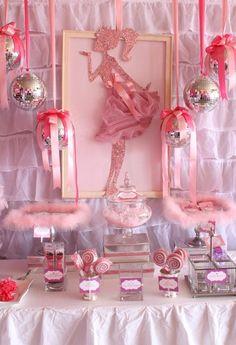 Decoracion de fiesta cumple de #Barbi..