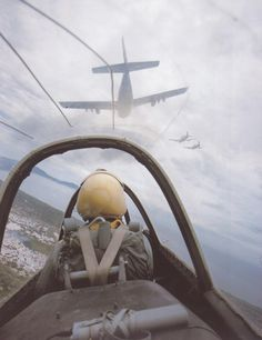 delisandwich:       Larry Burrows •T28  T-28s from Nha Trang on a mission in support of an infantry operation in Vietnam.